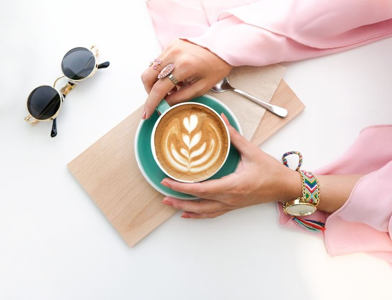 How To Stay Motivated To Blog And Avoid Blogger Burnout Header Of Taking A Break Relax With Some Coffee
